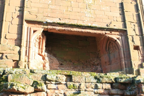 Kenilworth Castle Great Hall fireplace